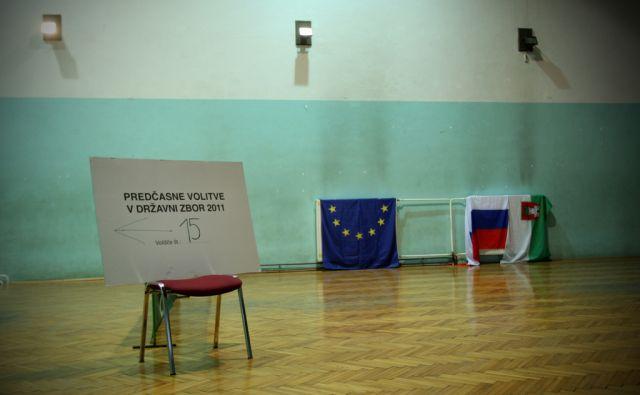 4.12.2011 Ljubljana,Slovenija. Predcasne parlamentarne volitve. Volisce v zadruznem domu v Zalogu.FOTO: JURE ERZEN/Delo