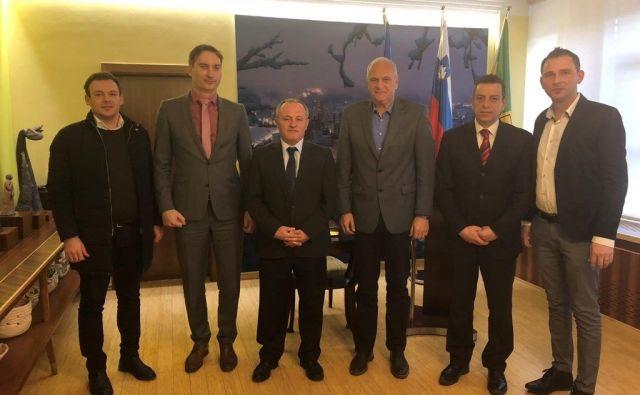 Veleposlanik Albanije