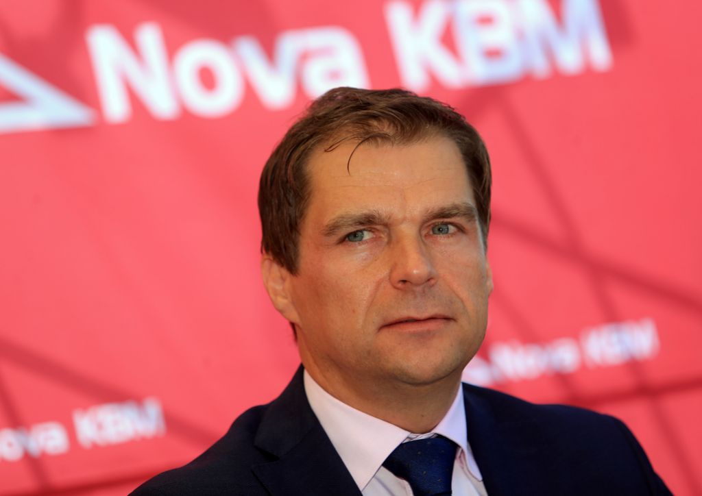 Robert Senica naj bi zapustil upravo NKBM, a ostal v banki