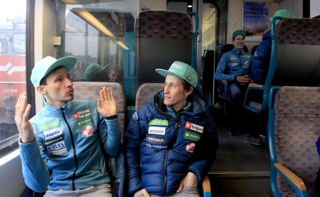 Odhod skakalne reprezentance v Planico,Peter Prevc in Robi Kranjec,Ljubljana Slovenija 21.03.2018 Šport]