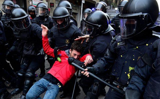 TOPSHOT-SPAIN-POLITICS-CATALONIA-DEMO