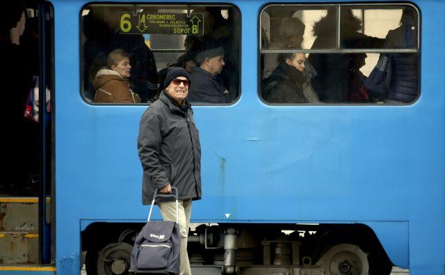 Ljudje na ulici,Zagreb Hrvaška 15.01.2018 [Ljudje,tramvaj]