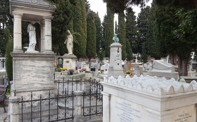 Piransko pokopališče