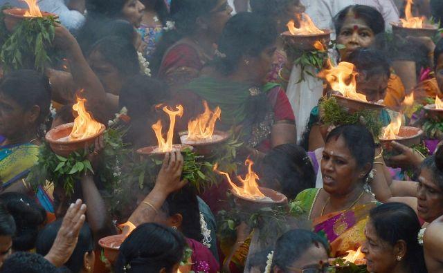 TOPSHOT-SRI LANKA-HINDU-FESTIVAL