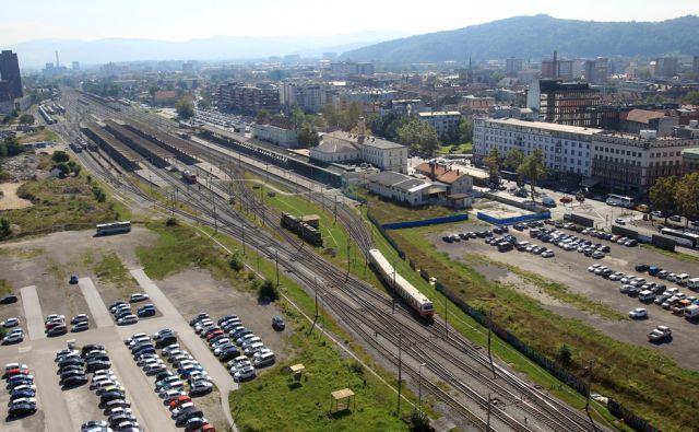 Železniška postaja 26.avgusta 2016 [Ljubljana,železniške postaje,promet,želenice]