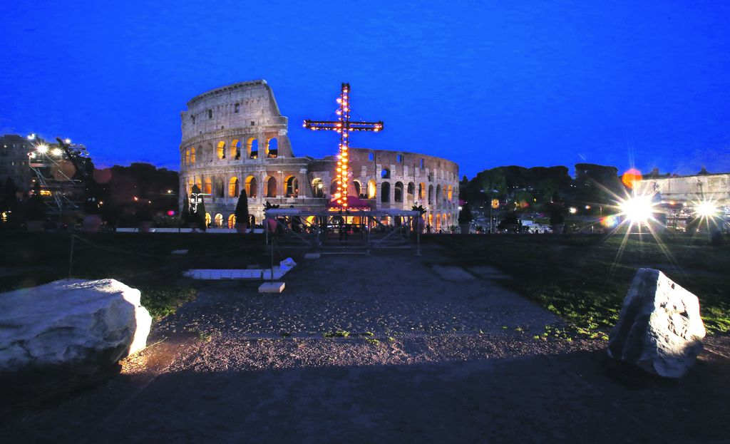 Velikonočni spektakel v Koloseju
