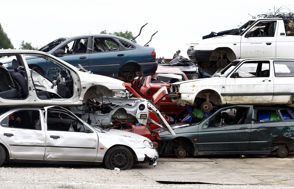 Avti naj ne bi več rjaveli na prostem