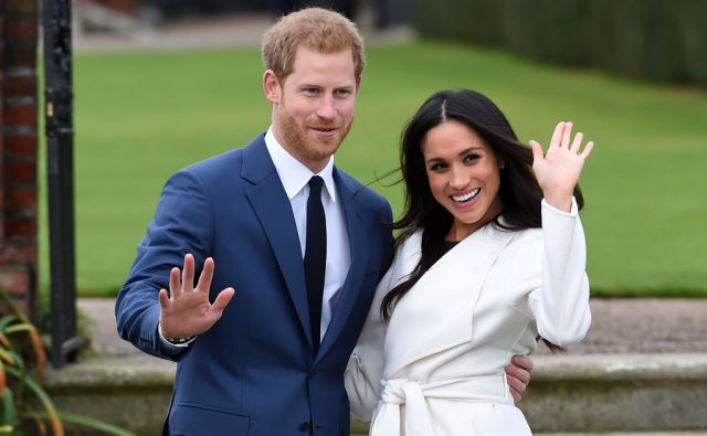 Prince Harry and Meghan Markle in the Sunken Garden at Kensington Palace, London, after the announcement of their engagement. PRESS ASSOCIATION Photo. Picture date: Monday November 27, 2017. The much-anticipated news was confirmed by the Prince of Wales