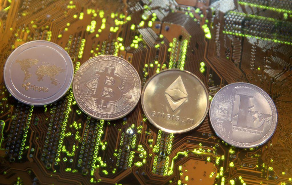 Združba Špancev s kriptovalutami oprala osem milijonov evrov