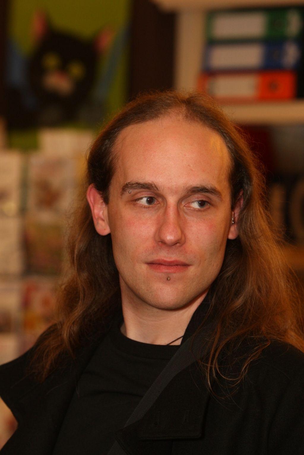 Pisateljska spovednica: Davorin Lenko