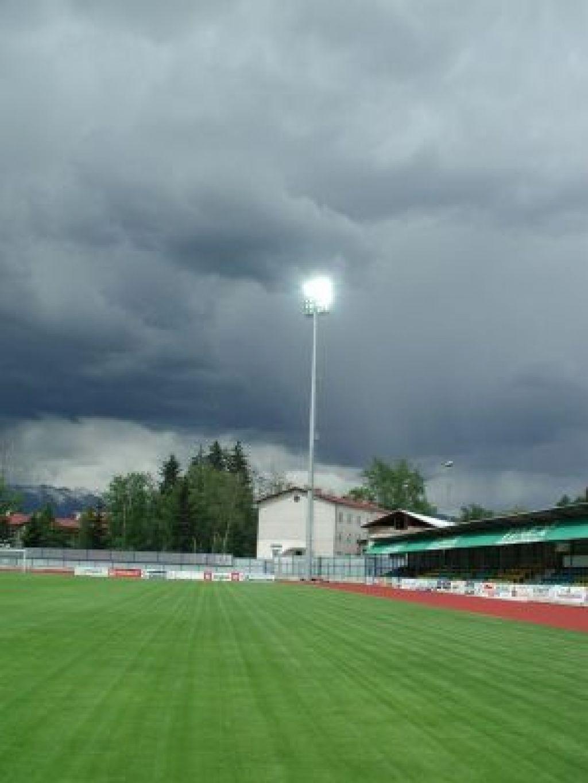 Domžalski stadion z novo razsvetljavo