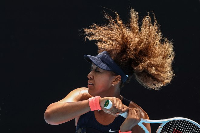 Naomi Osaka je favoritinja proti Sereni Williams. FOTO: David Gray/AFP