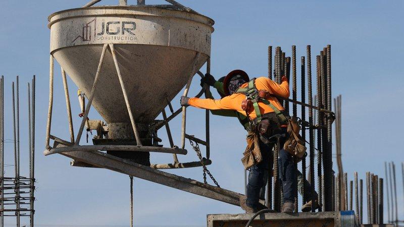Fotografija: Ameriška gospodarska lokomotiva bo že letos nadoknadila lanski padec in pognala naprej tudi svetovno ekonomijo, ugotavlja OECD. FOTO: Joe Raedle/AFP