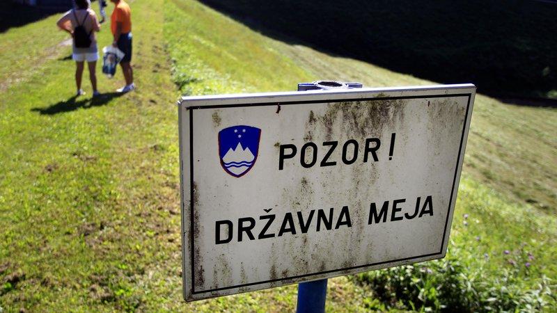 Fotografija: Prehod čez državno mejo bo razen nekaterih izjem prepovedan. FOTO: Roman Šipić/Delo