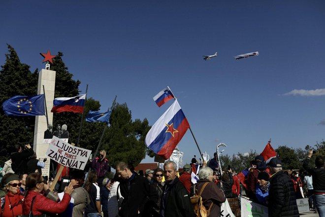 Janša se je protestnikom »zahvalil« thumbnail